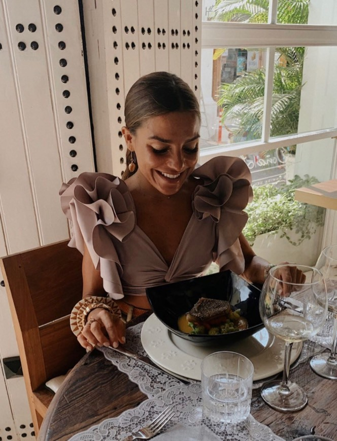 DOÑA LOLA comida del caribe
