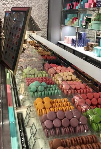 Le Macaron Ladurée Paris