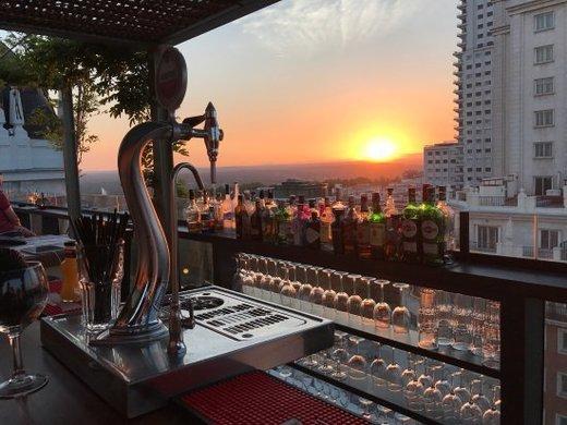 Nice To Meet You Restaurant & Lounge