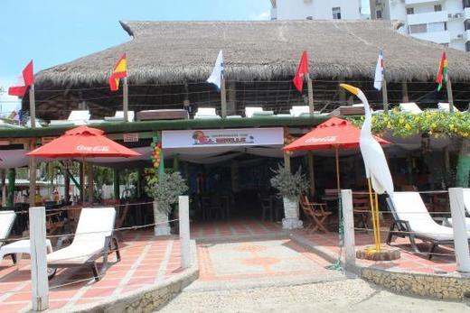 El Muelle Restaurant bar