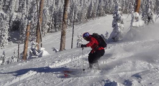 SNOWPLAY Escuela de Esquí