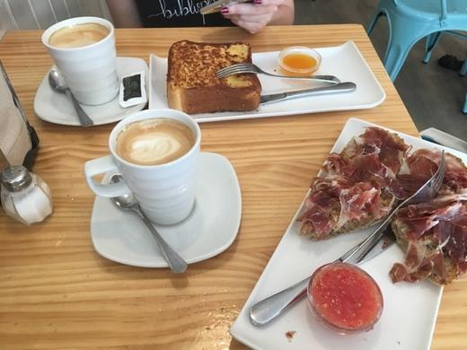 Madridelicia Bakery & café