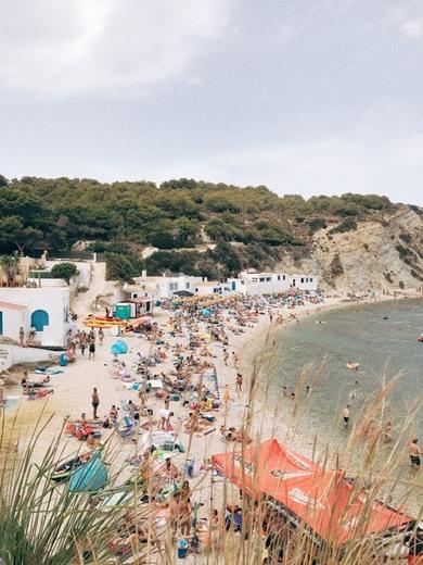 Acceso a playa del Portichol