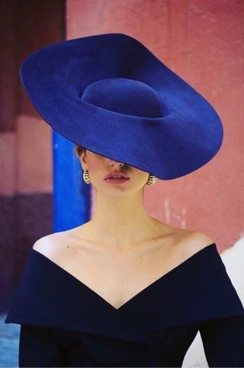 Patricia Buffuna | Sombreros y tocados de diseño en Sevilla