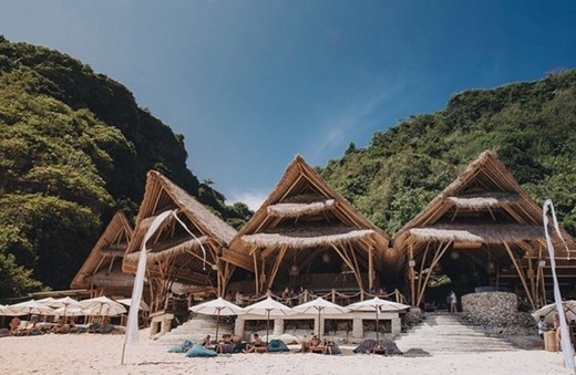 Sundays Beach Club - Uluwatu Beach Club Bar & Restaurant