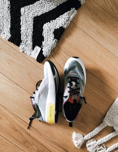 Nike Air Max Dia SE QS Women's Shoe