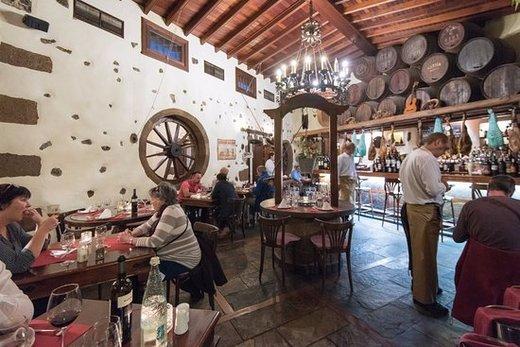 Restaurante La Cascada Puerto - Restaurante Bodega