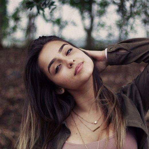 Angie Costa (angeladscosta)