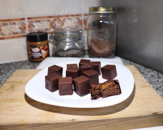Bombons de Bolo de Chocolate e Manteiga de Amendoim