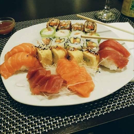 Ninki Sushi Bar 2