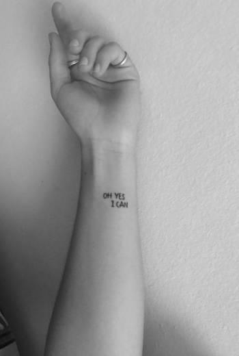 """Tatuagem """"motivacional"""""""