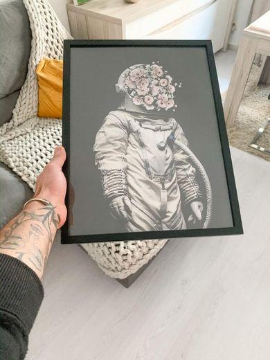 Quadro desenio floral astronauta 👩🚀