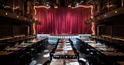Paris 6 burlesque music hall e bistrô