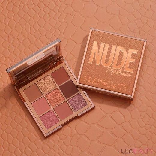 Huda beauty palette medium