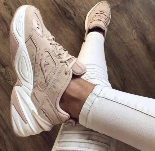 Nike MD Runner 2, Zapatillas de Running Mujer, Multicolor