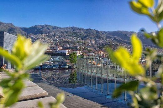 Agência Abreu - La Vie Funchal Shopping Center