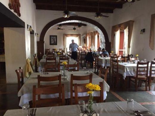 Jardínes de Chiapa Restaurante