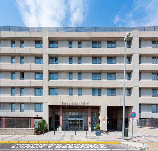 Hotel TRYP Madrid Airport Suites LL
