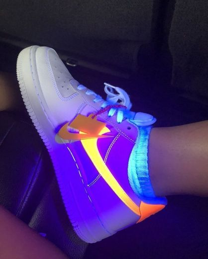 Nike Air Force 1 NEON