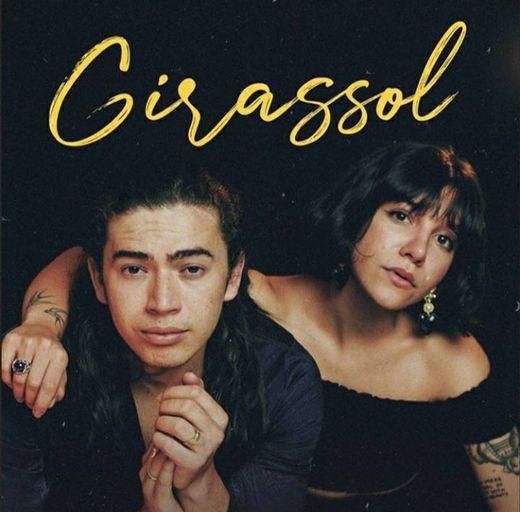 Girassól- Priscilla Alcantara e Whindersson Nunes