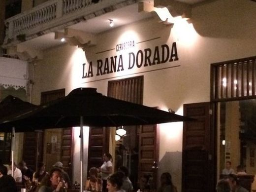 La Rana Dorada Casco