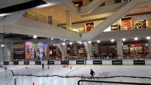 Pista de Hielo Ice Station en Forum Buenavista, Ciudad de México