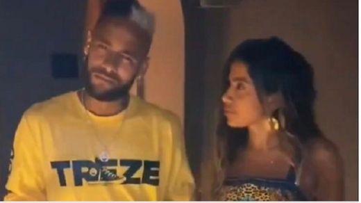 """Anitta e Neymar se divertem e fazem dança no TikTok: """"Só que"""