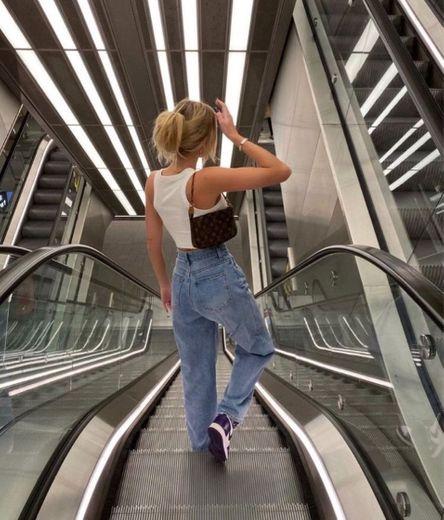 Foto na escada rolante