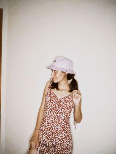 6 formas de usar um vestido simples