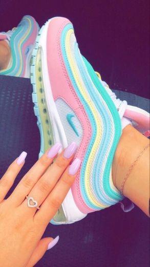 Nike colorido