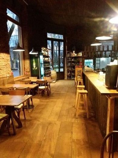 Vinoteca bar restaurante Las Mil Copas