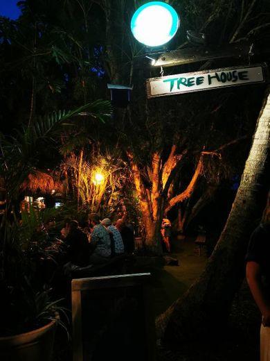 Treehouse on Belongil.