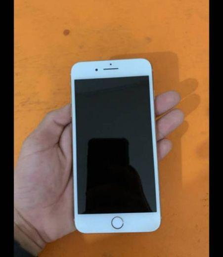 iPhone 📱